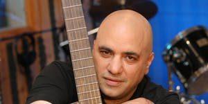Israeli Singer: Danny Robas @ Kelly's Olympian